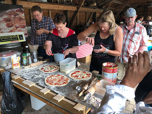 pizzaworkshop pizzajolly pizzafun zelf pizza maken