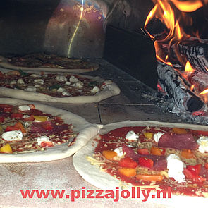 pizzajolly pizza party pizzaworkshop of feest veel pizza in de pizzaoven